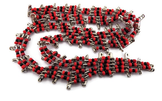 Vintage Safety Pin Necklace Red Black Necklace Vintage Beaded Necklace Long Vintage Necklace Vintage Costume Jewelry