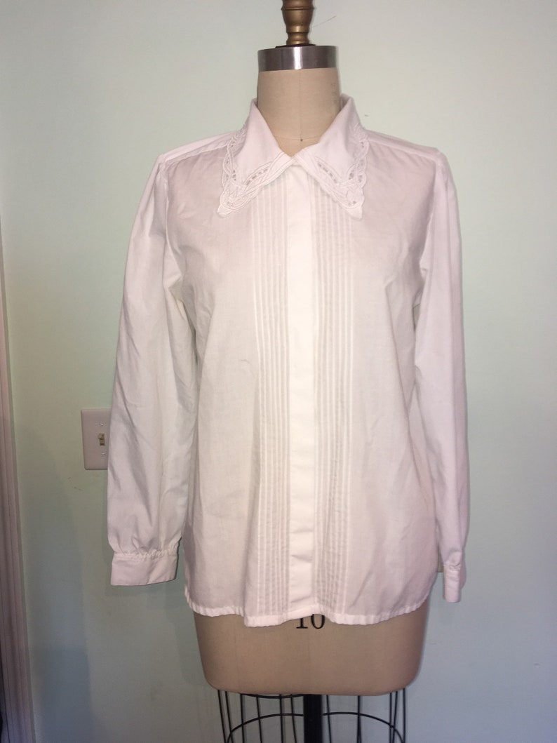 90s white cotton Button down shirt top size 12 Pin tuck Embroidered Collar Long Sleeves granny Blouse
