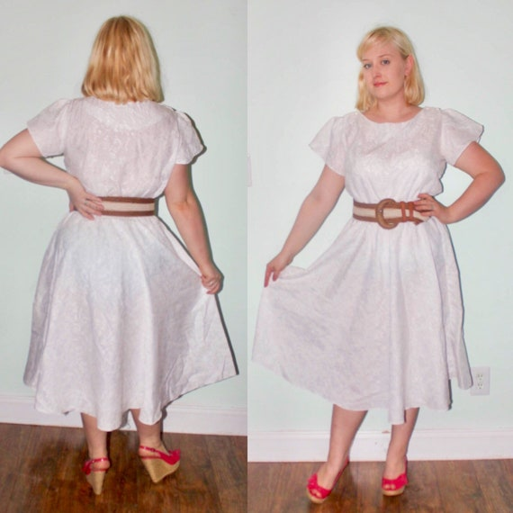 Vintage 70s 80s Does 50s Disco Dress - Plus Size Romantic Disco Floral  White Jacquard Circle Skirt - Short Sleeve Plus Size XL 16