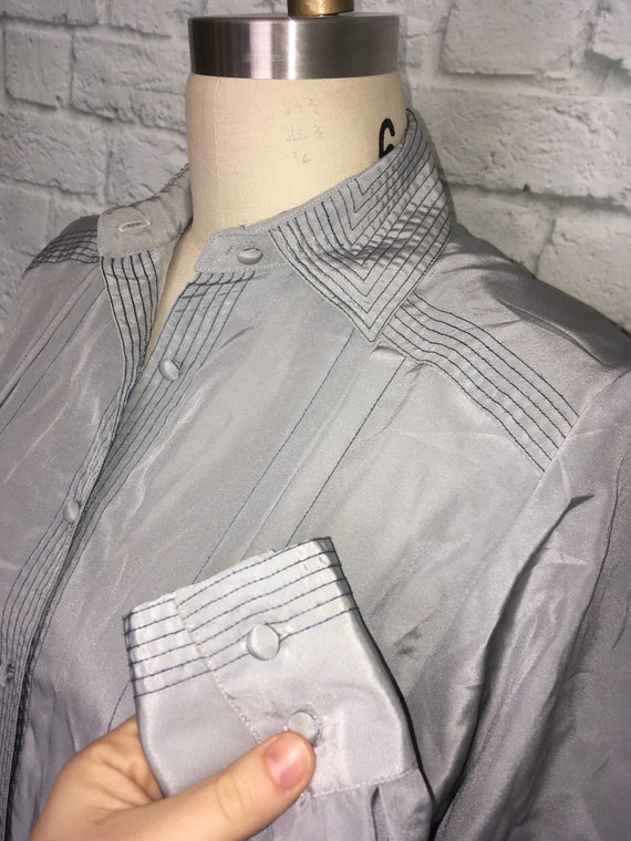 80s 90s Blouse Gray Grey Navy Top Stitched Pleate… - image 4