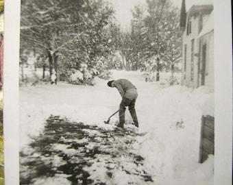 Snow 'n Cold... 1930's Vintage Photo... Original Vintage Snapshot Photograph