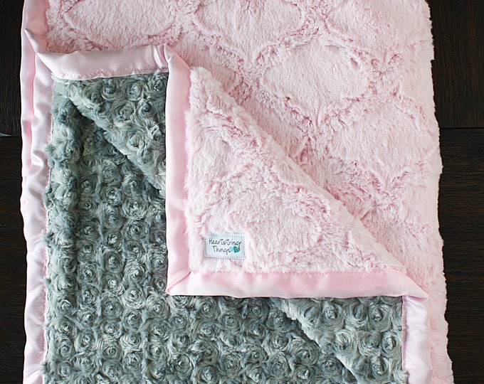 Minky Blanket, Lattice blanket, baby girl, baby gift, easy shower gift, Baby Girl, Crib Blanket, Modern Minky blanket, present