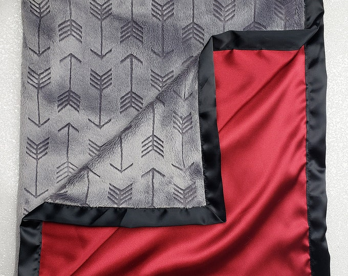 Minky Blanket, baby boy, grey and red blanekt, arrow blanket, satin blanket, silk blanket, grey red and black, soft blanket baby gift, boy