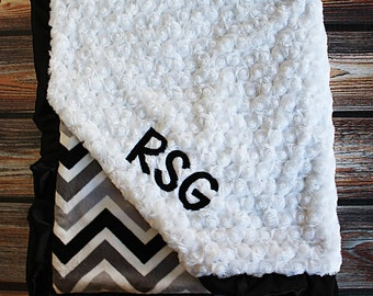 Embroidered Minky Blanket, Blanket with name, Baby boy, Baby Gift, Chevron Blanket, Black and White, Engraved Blanket, grey, Silver