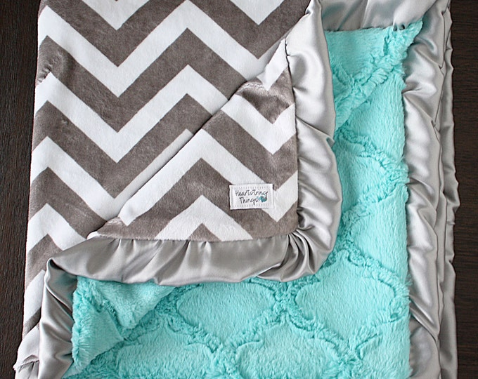 Minky Blanket, baby Blanket, gift for adults, modern blanket, baby girl, unisex baby gift, baby gift, baby boy, grey and white chevron