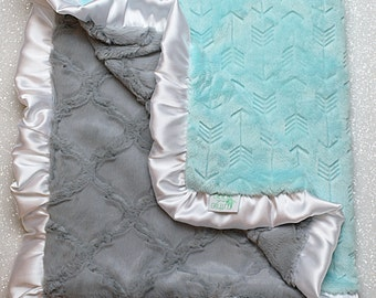 Minky Blanket, arrow blanket, embossed arrow,  modern blanket, hipster baby, arrow blanket, Grey blanket, arrow, baby gift, gender nuetral