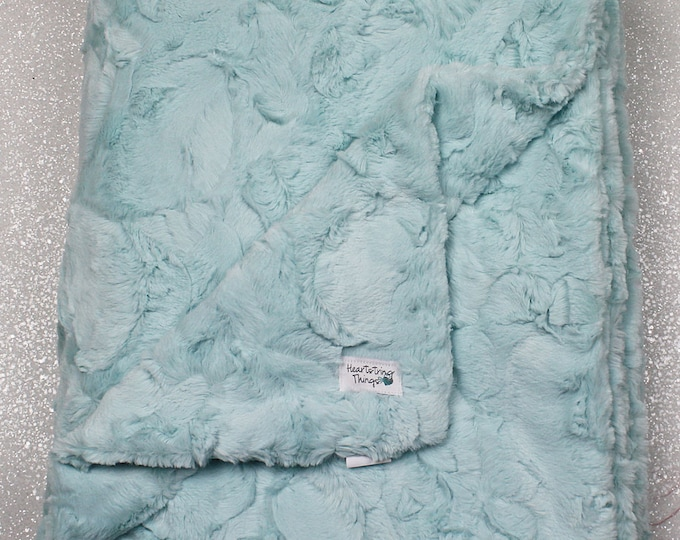 Minky blanket, faux fur throw, aqua throw, soft throw, blue throw, Faux fur blanket, wedding Gift, seaglass hide, fluffy, gift for women