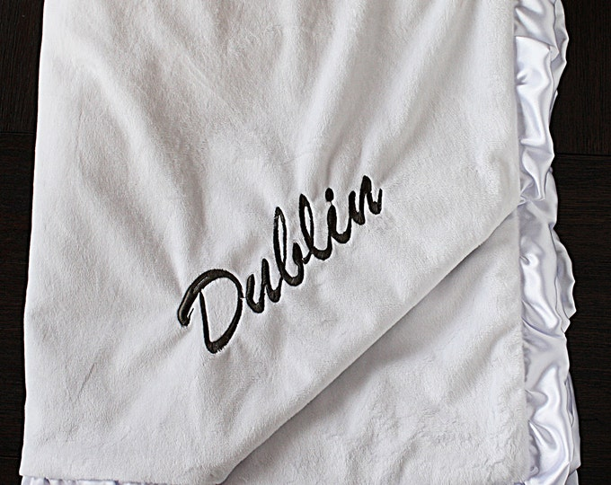 Embroidered Minky Blanket, gift for baby, baby boy, baby girl, wedding gift, personalized blanket, Blanket with name, White blanket, baptism