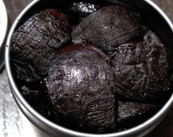 Black Garlic in 2 oz Tin