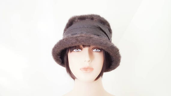 Vintage Faux Fur Bucket Hat with Faux Leather Band