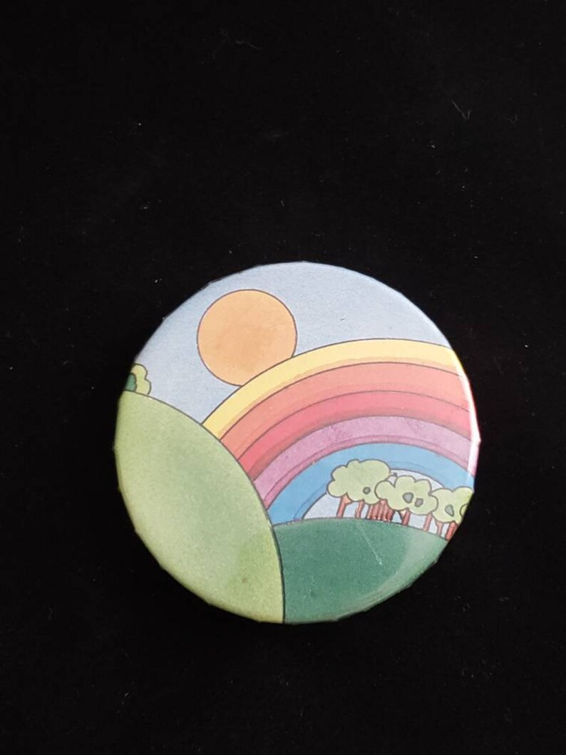 Vintage Rainbow Pin Back Button Noah/'s Ark New Day Rainbow Baby