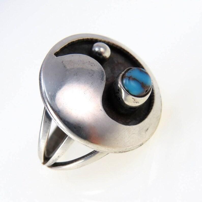 Size 5.5 US Vintage Modernist Sterling Silver Spider Web Turquoise Cabochon Ring