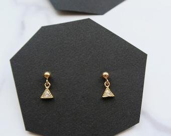 PIRENE // Tiny triangle trillion earrings