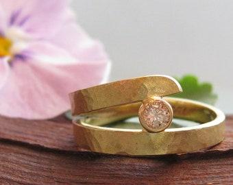 Ring Gold Diamond Matt Wide Hammered Yellow Gold Brilliant