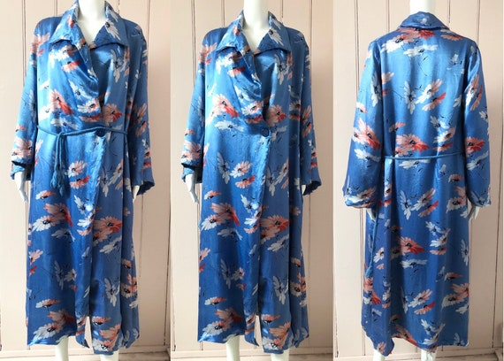 Beautiful 1930's Floral Satin Dressing Gown - image 3
