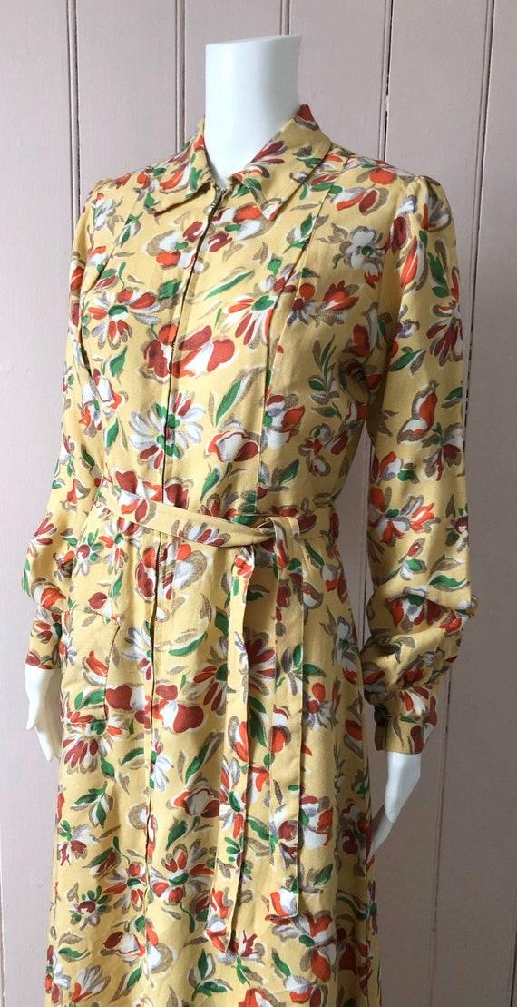 Superb CC41 1940's Linen Housecoat