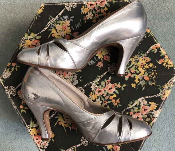 Stunning Silver 1930's Shoes - image 2