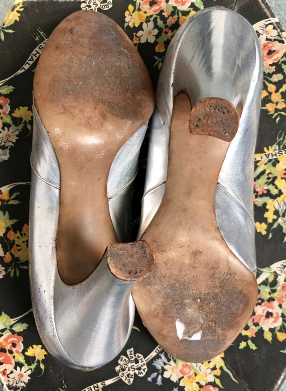 Stunning Silver 1930's Shoes - image 8
