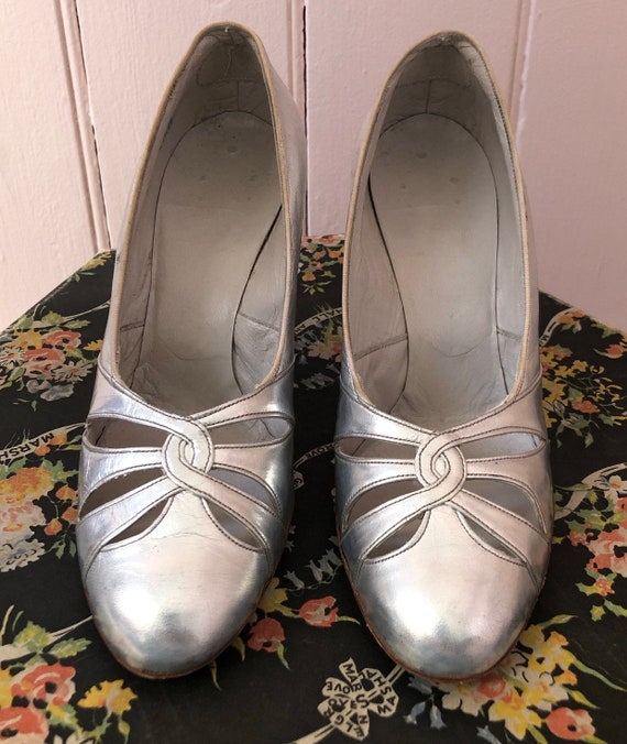 Stunning Silver 1930's Shoes - image 4