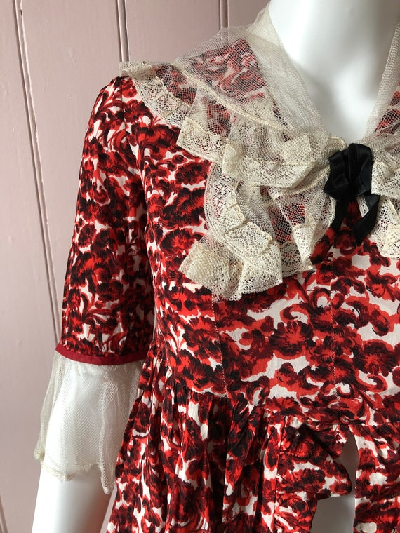 Pretty 1940's Floral Blouse/Overskirt - image 4