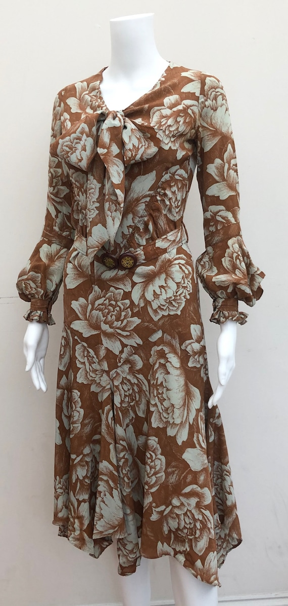 Stunning 1930's Day Dress - image 2