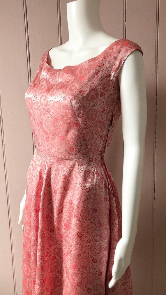 Pretty Silky 1940's Patterned Dress
