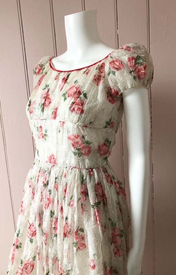 Beautiful 1950's Roses Dress
