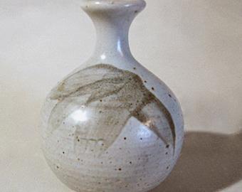 John Shelly Studio Pottery, Small Weed Vase, Cheddington, Winterbourne England, Leach, mingei