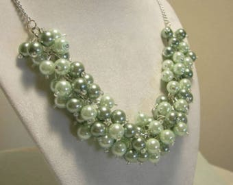 Chunky Two Toned Mint Green Pearl Cluster Necklace,  Bridesmaid Necklace, Cluster Necklace, Wedding Jewelry, Bridesmaid Gift, Gift for Mom