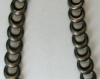 Large Dark Silver Tone Overlap Ring Necklace