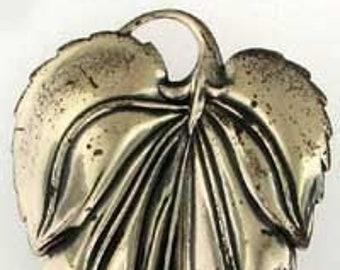 Gorgeous Stately Danecraft Leaf Pin Brooch