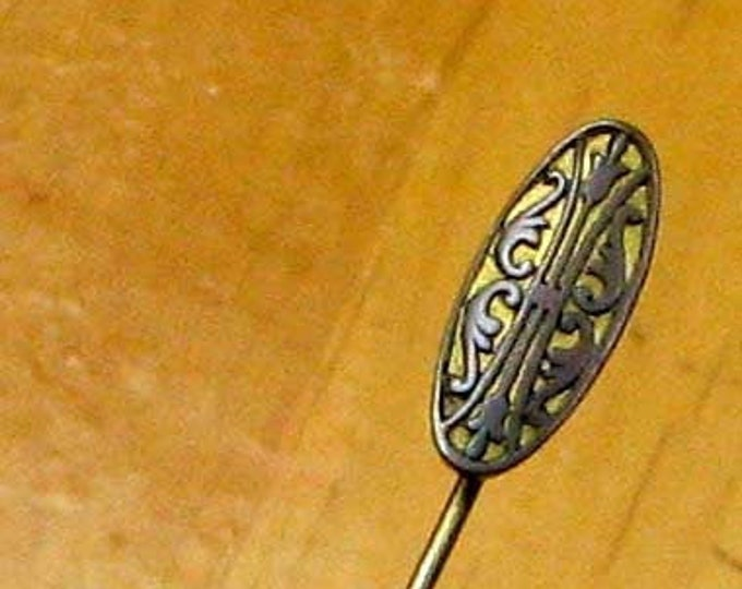 Vintage Gold Tone Patterned Cravat Pin