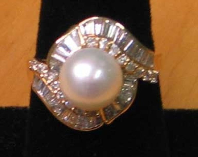 LARGE STUNNING WHITE Cultured Pearl Ring