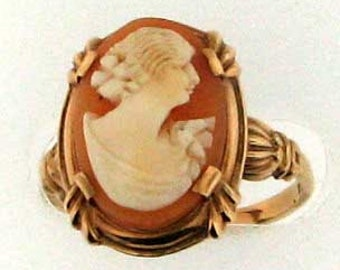Vintage Victorian Gold Cameo Ring