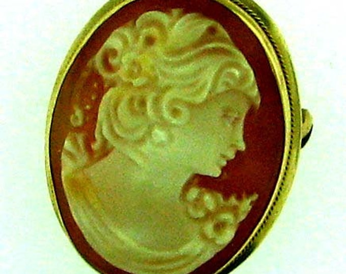 Vintage Gold Cameo - Early 20th Century