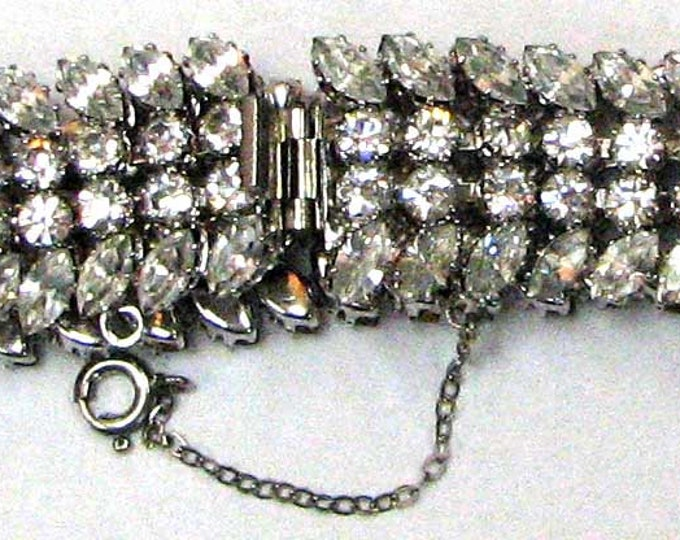 EXCELLENT CONDITION Colorless Rhinestone Bracelet