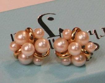 LOVELY TASTEFUL CLASSIC Pearl Cluster Earrings in Gold