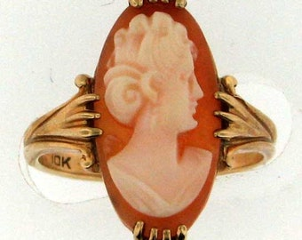 Vintage Gold Cameo Ring