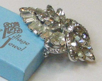 VINTAGE RETRO WEISS Shield Shaped Colorless Brooch Pin