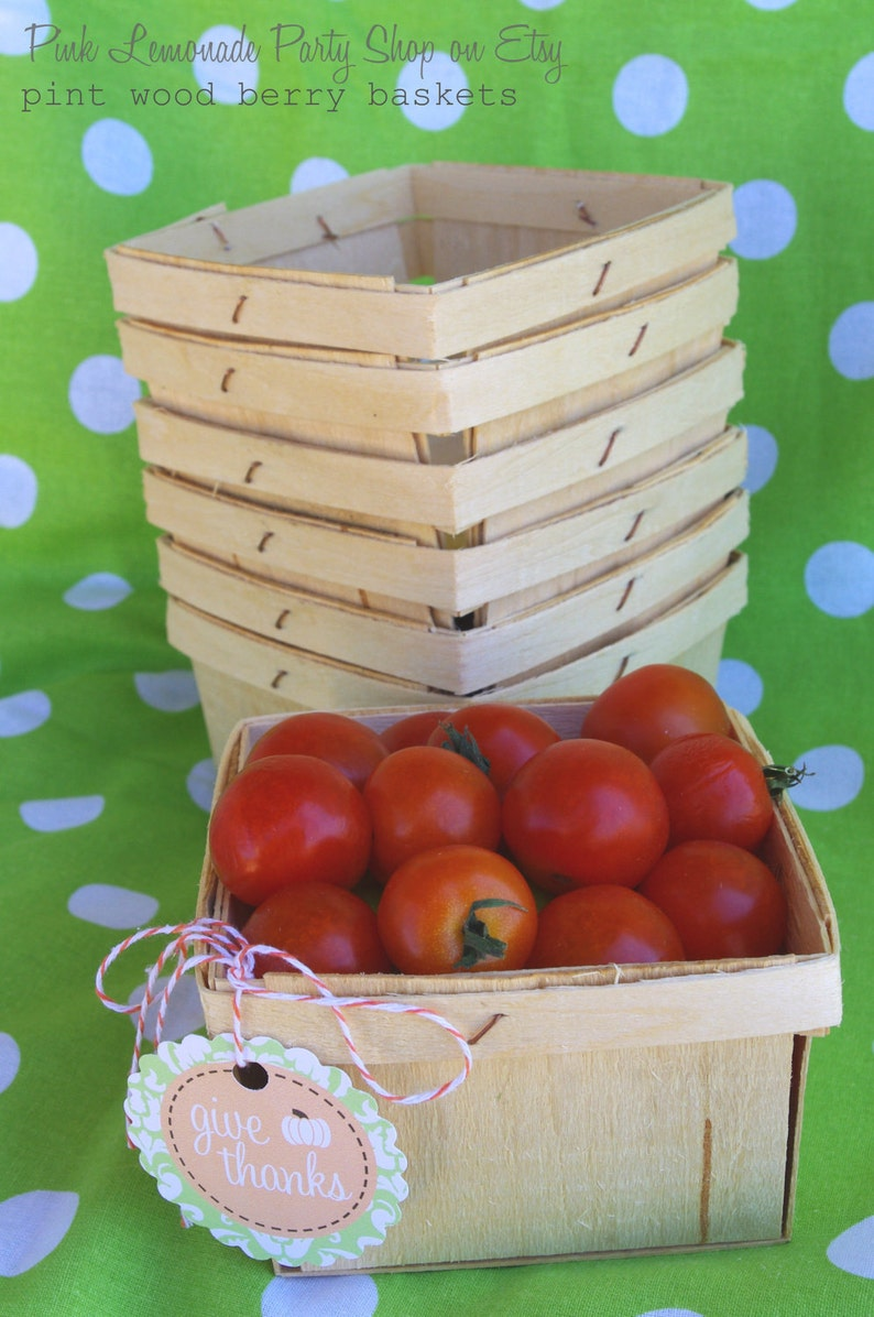 WOOD BERRY BASKETSFall Party Favor image 0