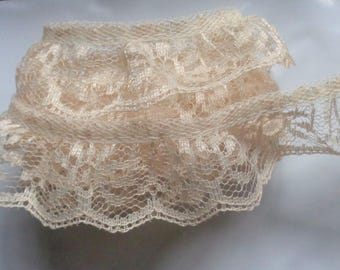 1 1/4 inch wide natural color ruffled lace trim price for 1 yard