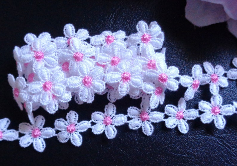 3/4 inch wide white/pink daisy embroidery lace trim selling by the yard