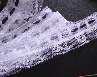 Ruffled Lace with Beading, 1 inch wide selling by the yard