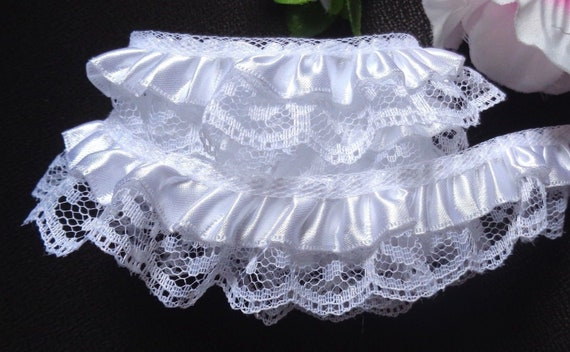 """Satin Floral Ruffle Lace Trim 1/"""" white//hunter selling by the yard"""