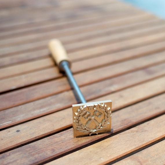OLYCRAFT Marchio in Legno Ferro Logo Personalizzato Marchio in Pelle Timbro in Ferro Timbro A Caldo Barbecue con Manico in Legno per Lavorazione del Legno E Design Artigianale