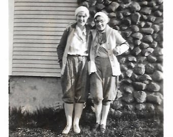 Hawaii Trip 1931 Vintage Photo Teen Girls Go On Vacation Bonnie Parker Berets Knickers Girlfriends Snapshot Candid Portrait