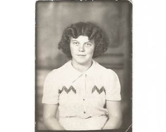 "Vintage Snapshot ""Ruth Ann"" Cute Teenage Girl With Wavy Hair & Freckles Photobooth Found Vernacular Photo"