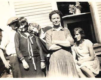 "Vintage Snapshot ""Behind Mother's Back"" Teenagers Mug For The Camera Found Vernacular Photo"