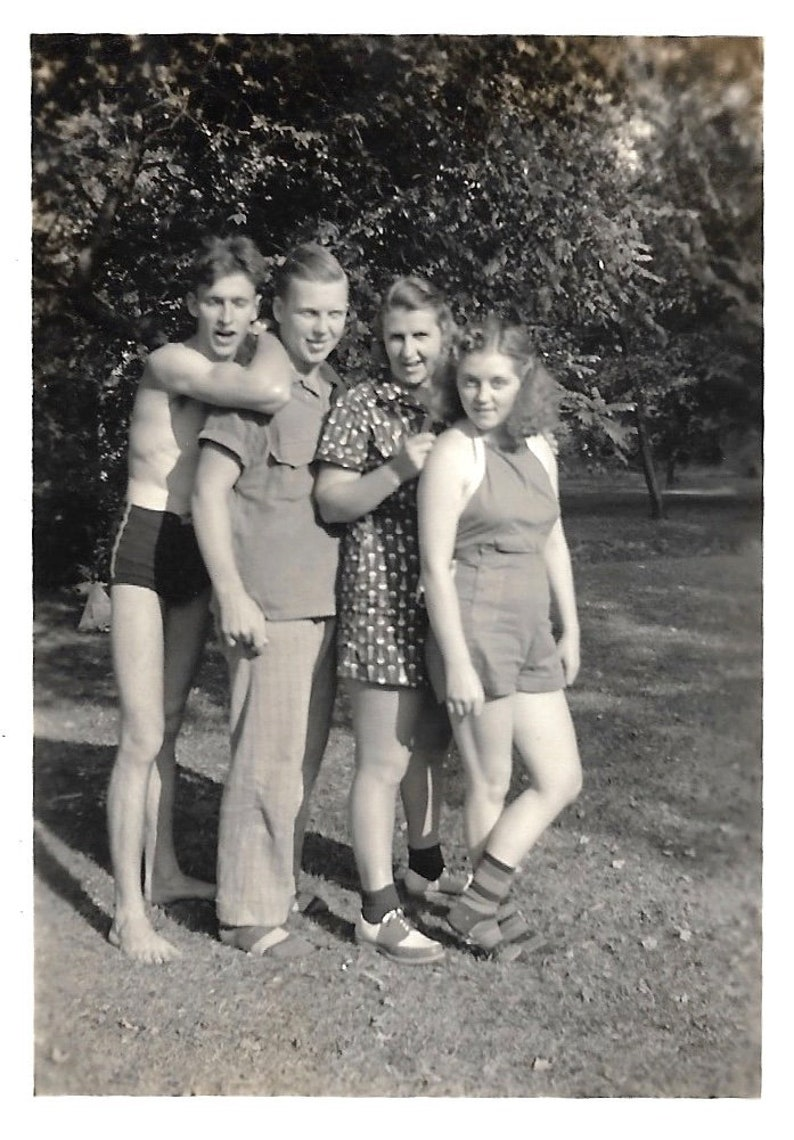 Mignon nue les adolescents photos