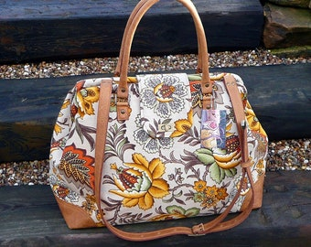 Mary Poppins style carpet bag, gold floral weekender bag, overnight bag, hand luggage, travel bag